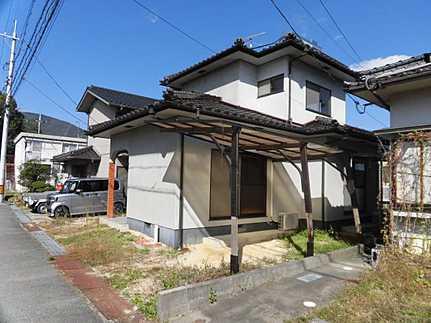 外観平成29年11月クロス張替済・駐車2台可 永住の地に相応しい閑静な住宅街