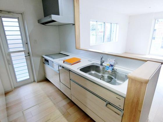 キッチン食器洗い乾燥機・IHクッキングヒーター付きのシステムキッチン