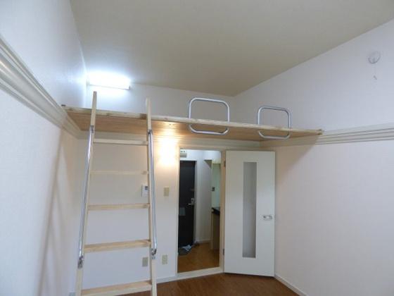 その他天井が高く解放感があります。