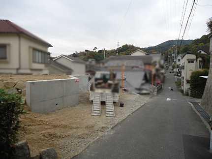 前面道路含む現地写真お財布に優しいオール電化住宅 敷地面積広々50坪・駐車2~3台可