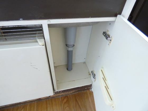 その他キッチン下にも収納できますよ。