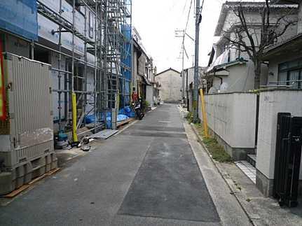 前面道路含む現地写真近隣商業施設多数あり 広島駅・市内中心部にアクセス良好な立地