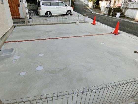 駐車場並列2台駐車可(車種による)
