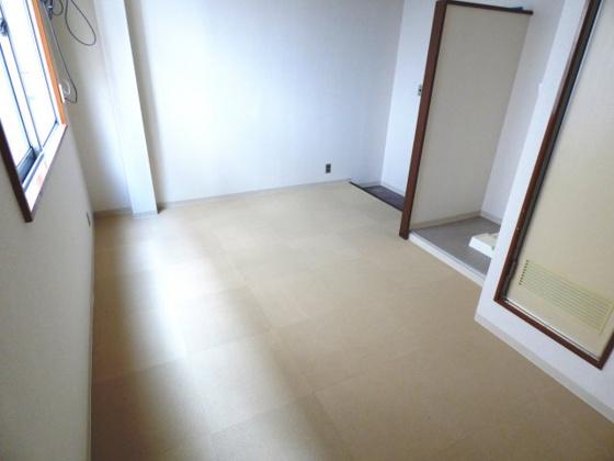 寝室ゆったりとくつろげる空間。