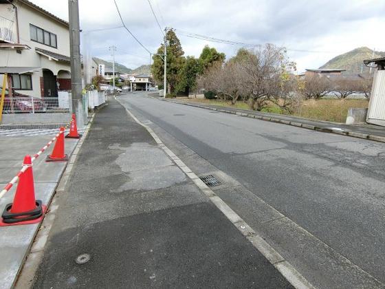 前面道路含む現地写真前面道路は幅約9.5m