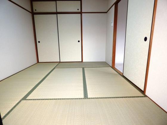 その他畳のお部屋は落ち着きますね。