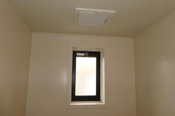浴室浴室窓・換気扇