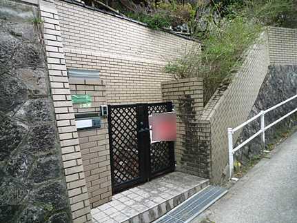 外観木立が森のような広い庭 JR矢野駅まで徒歩10分の好立地♪