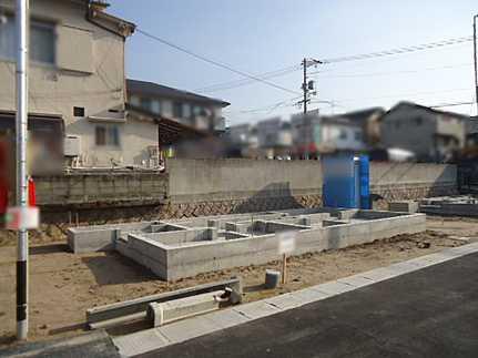 外観通風・採光・プライバシーに配慮したデザイン JR向洋駅まで徒歩19分