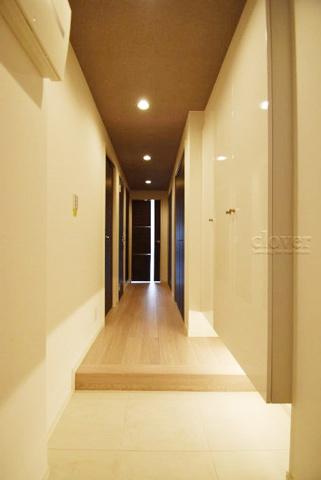 玄関玄関から室内