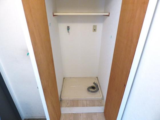 その他室内に洗濯機が置けますよ。