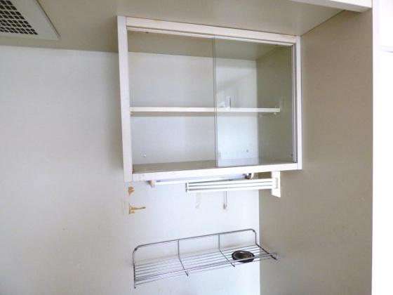 その他キッチン上部の収納棚です。