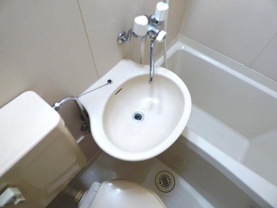 洗面所コンパクトな洗面台もあります。