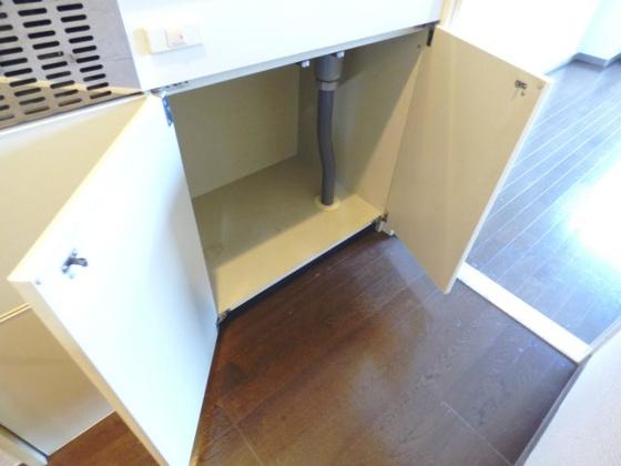 その他キッチン下の収納スペースです。