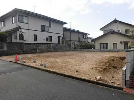 外観閑静な住宅街 五月が丘団地 小・中学校が近いのでお子様の通学も安心