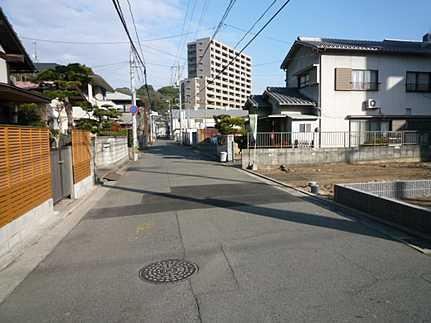 前面道路含む現地写真ジャパンホームシールド地盤保証20年 引渡後無料点検実施(6ヶ月・1年・2年の計3回)