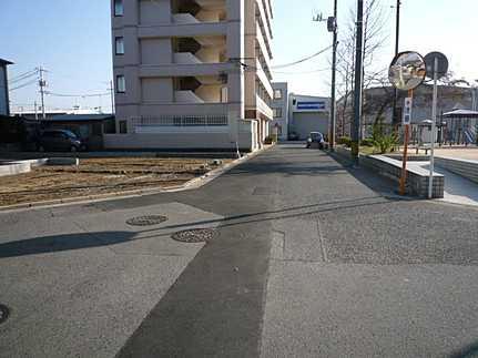 前面道路含む現地写真ジャパンホームシールド地盤保証20年 引渡後無料点検実施