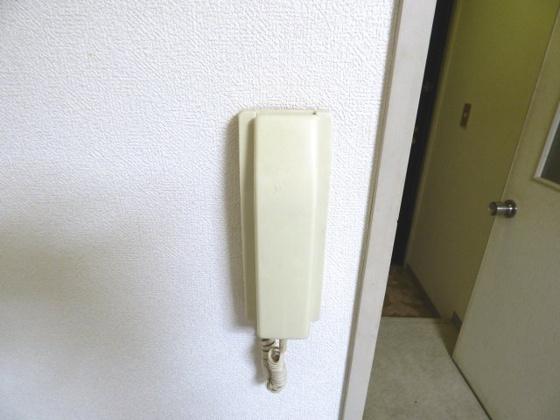 その他お部屋にはインターホン完備。
