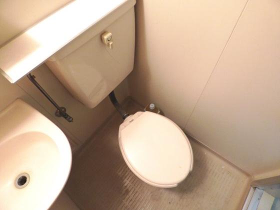 トイレすっきりとシンプルなトイレ。