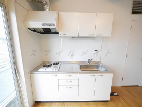 キッチンお料理楽々システムキッチン・ガスコンロ2口付きです。
