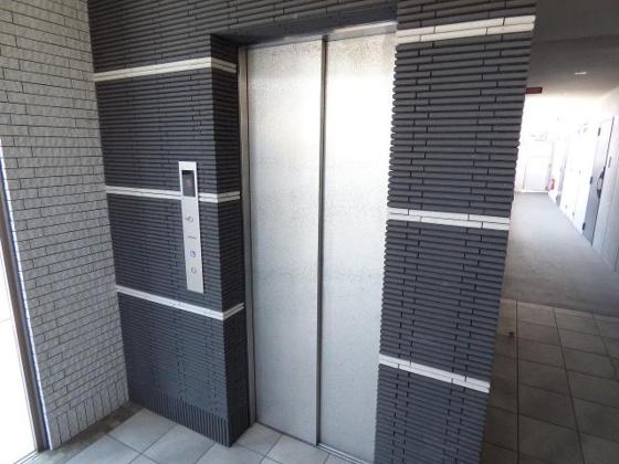 その他もちろんエレベーターも完備。