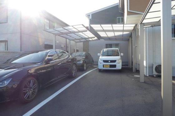 駐車場屋根付き駐車場(1台分)