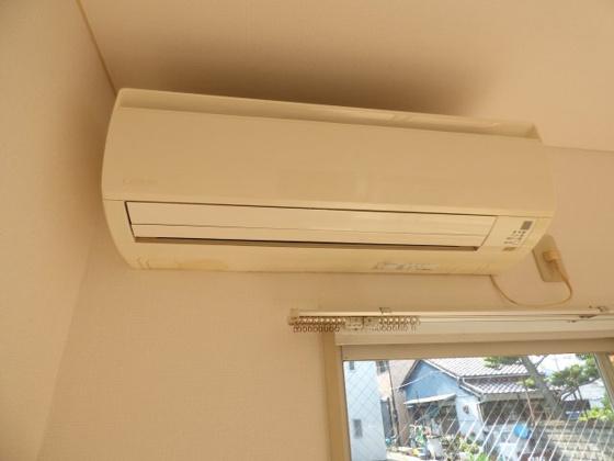 その他エアコン完備で毎日快適です。