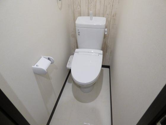 トイレうれしい温水洗浄便座も完備。