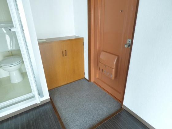 その他すっきりとした玄関周り。