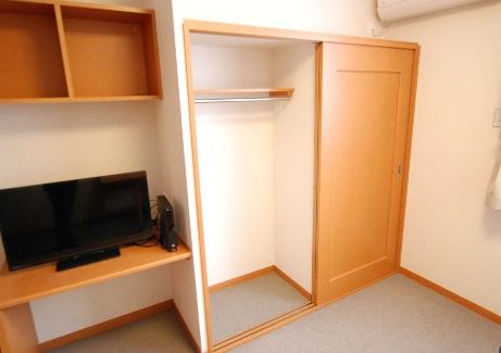 居間※1階…フローリング・2階…ジュウタン