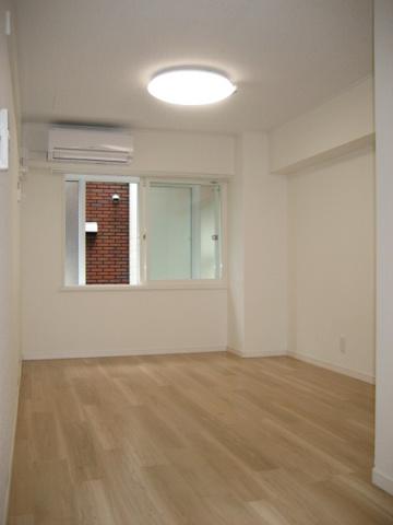 洋室※写真は以前のものです。