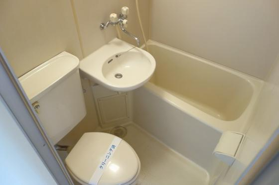浴室バスとトイレは一緒です