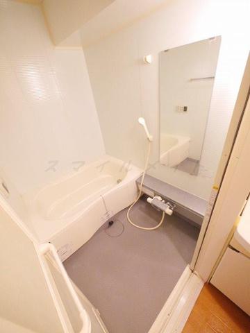 浴室一日の疲れを癒すバスルーム追い焚き付き