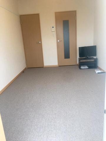 居間※1階フローリング、2階以上絨毯