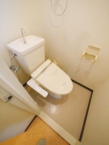 トイレ嬉しい窓付きトイレ