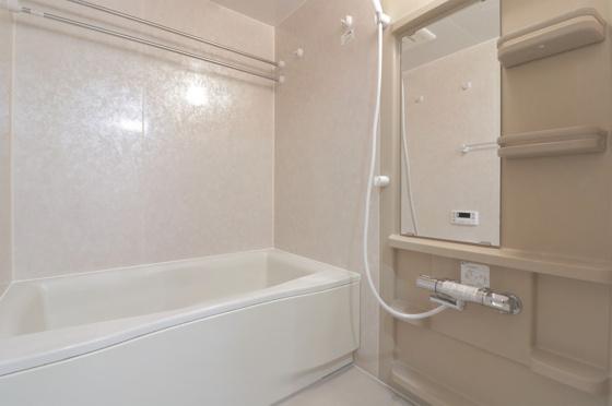 浴室浴室乾燥機付の浴室ユニットバス新調しました。追炊き機能付きです。