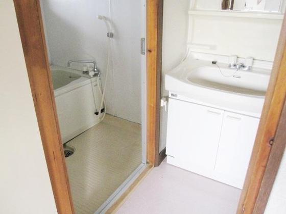 洗面所別号室の参考写真です