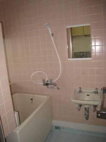 浴室※写真は以前のものです。