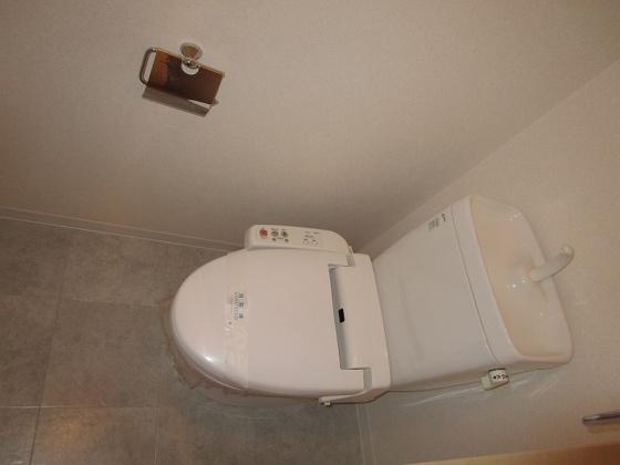 トイレ温水洗浄便座付のトイレです