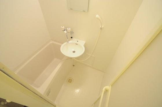 浴室雨の日にも便利な浴室乾燥機付き!