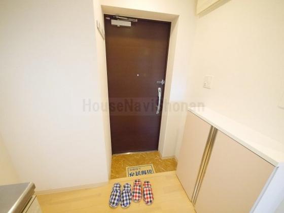 玄関室内写真は別室、同タイプの写真となります。