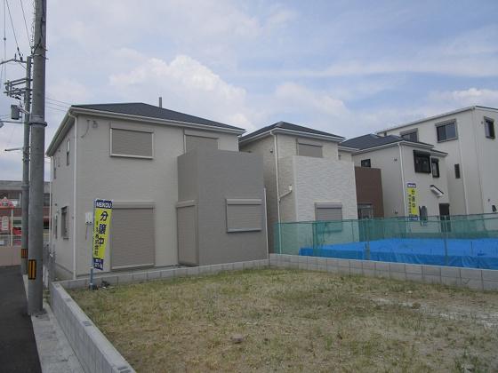 その他全3区画の新築現場です。令和3年8月中旬完成予定です。(6/14撮影)