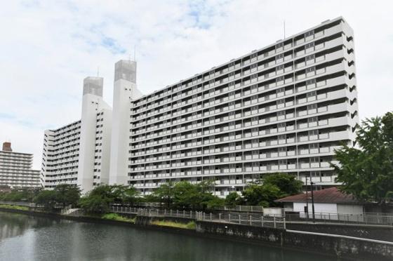 その他リバーサイドのマンションです。大阪メトロ今里筋線 『新森古市』駅まで徒歩8分・『関目成育』駅まで徒歩10分、京阪本線 『関目』駅まで徒歩10分の好立地。
