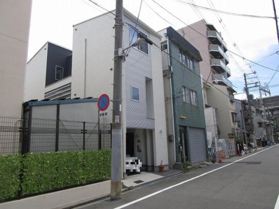 その他外観 近鉄南大阪線 河堀口駅まで徒歩2分、JR阪和線 美章園駅まで徒歩6分、JR環状線 寺田町駅まで徒歩10分の好立地です。建築条件が無いので、お好きなハウスメーカーや工務店で建築が出来ます。