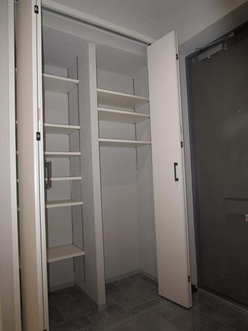 収納タップリ収納出来る玄関収納です