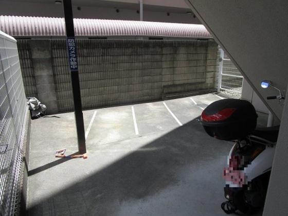 バイク置場:空き状況は随時管理事務所に確認が必要です
