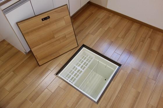キッチンに床下収納あり