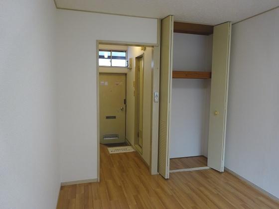 収納天井まである収納スペース