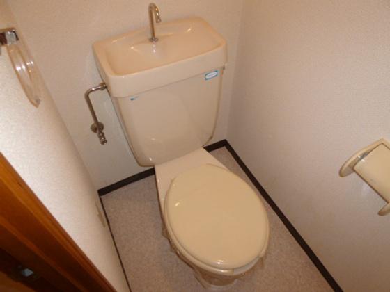 トイレシャワー付きトイレに変更