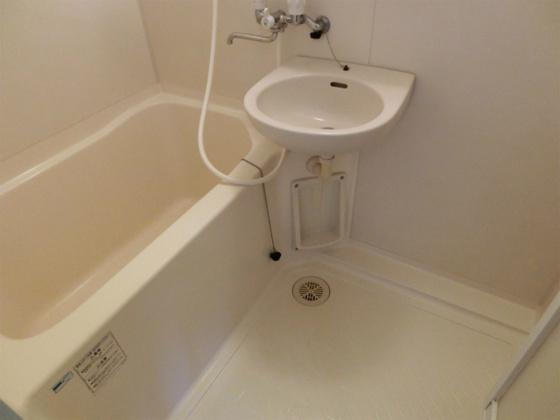 浴室玄関のシューズボックス